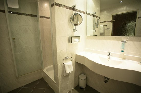 Hotel Steglitz International: Bathroom