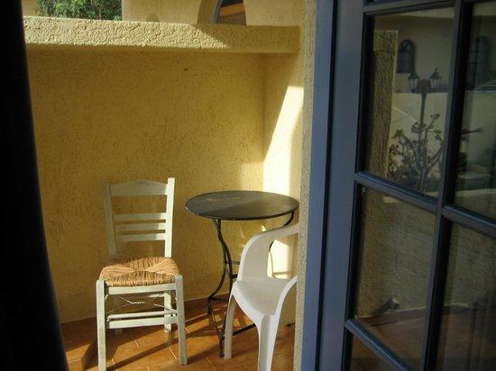 CHC Aroma Creta : Балкон в номере
