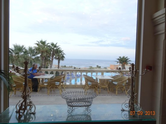 Grecotel Club Marine Palace: view over main restaurant terrace