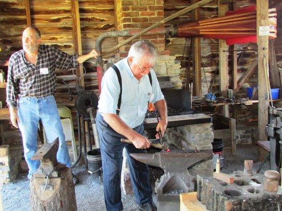 Valley Brethren-Mennonite Heritage Center: Blacksmith Shop
