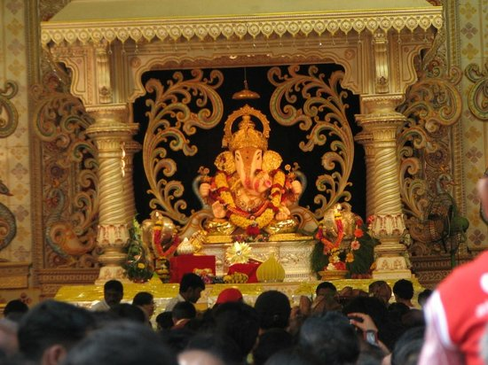 Shreemant Dagdusheth Halwai Ganapati Trust has given Insurance cover of Rs 50 crores to Devotees' safety during Ganesh festival
