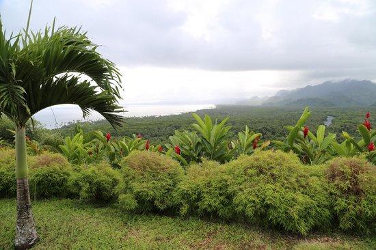 Emaho Sekawa Resort: 雨后的南太平洋