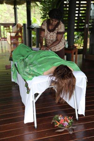 Emaho Sekawa Resort: Message + Banana wrap