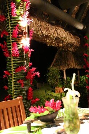 Emaho Sekawa Resort : 鲜花无处不在