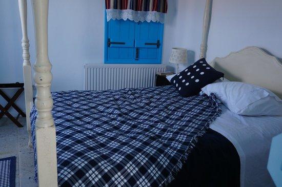 Belogna Ikons: Bed>_<