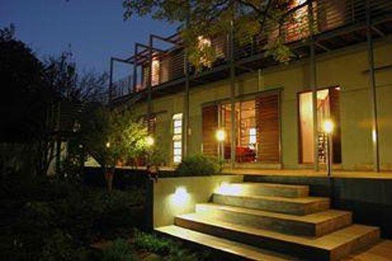 Eden in Linden: Front porch in the evening