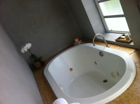 Casa Morada: tub with a view
