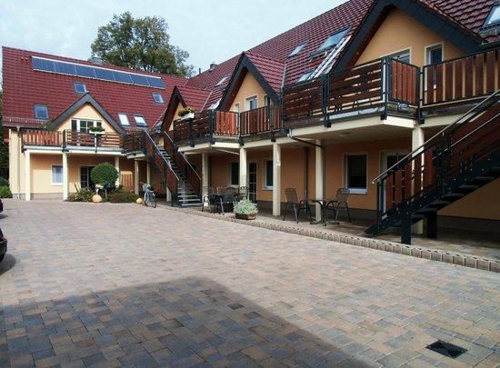 Ferienappartements Am Spreewaldfliess: Blick vom Garten