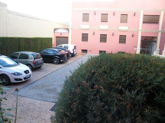 Los Girasoles: Parking