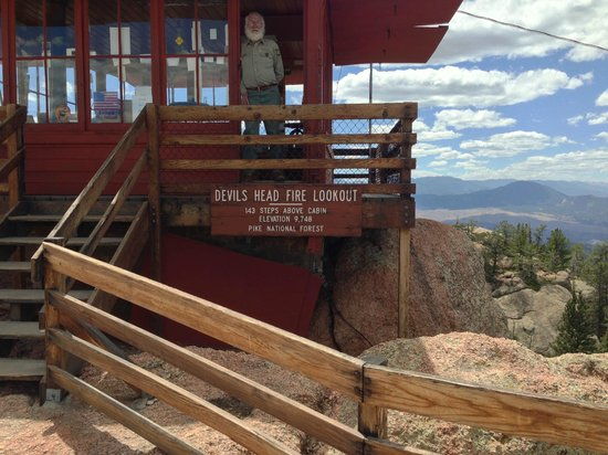 Devil's Head Fire Lookout: the tower
