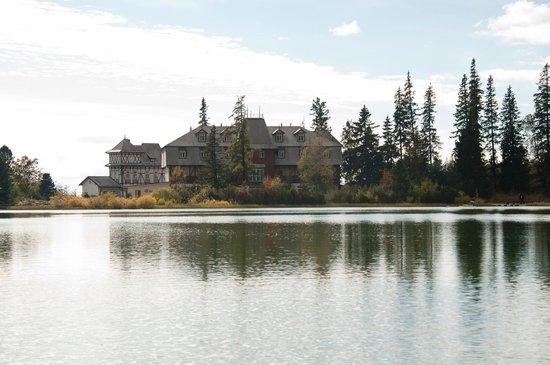Hotel Solisko : From the opposite side of the lake