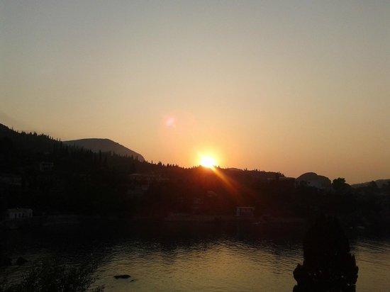 Paleokastritsa Beach: sunrise
