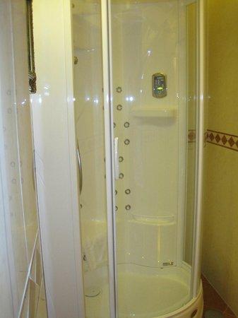 Hotel Manfredi Suite in Rome : doccia idromassaggio
