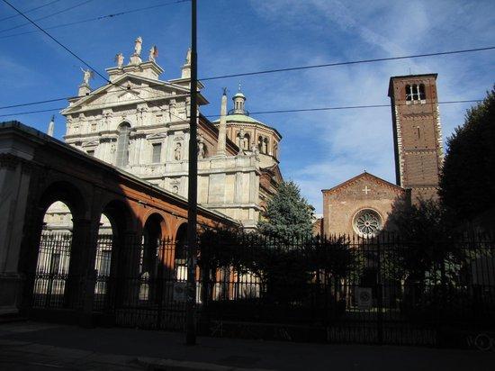 Chiesa di Santa Maria presso San Celso: esterno