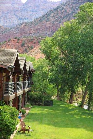 Desert Pearl Inn: vue de la chambre