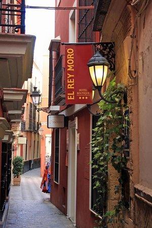 El Rey Moro Hotel Boutique Sevilla: The Alley