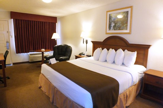 Days Inn Abilene: King guest room