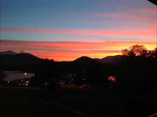 Crowne Plaza Lake Placid : Sunrise view from balcony.