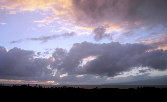 Molokai Hilltop Cottage & West End Studio : Sunset