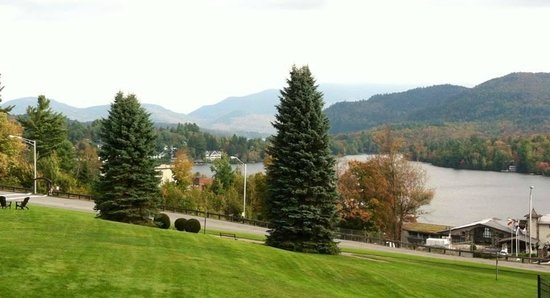 Crowne Plaza Lake Placid : Daytime balcony view.