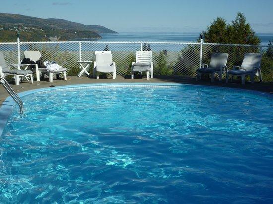 Auberge des Falaises : Vue de la piscine