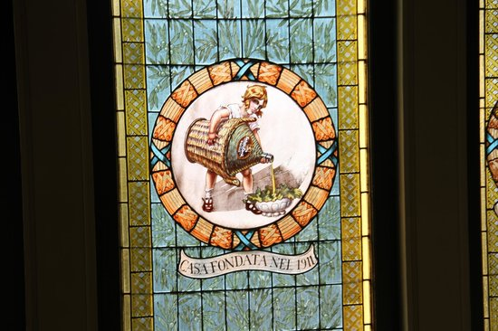 Museo dell'Olivo : Stained glass window