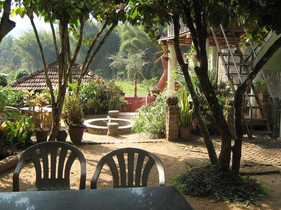Coffee Inn: Inside View