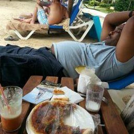 Sandals Negril Beach Resort & Spa: My honey, just relaxing!!!