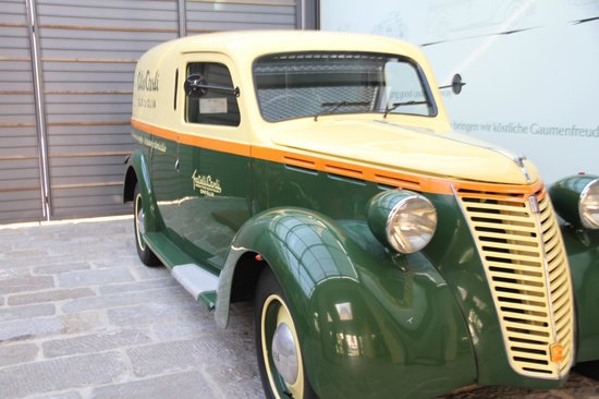 Museo dell'Olivo : Old delivery car