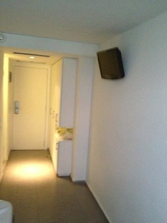 Atlantis City Hotel: room