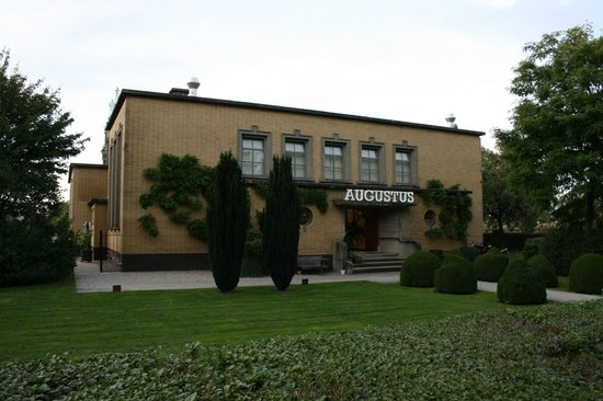Villa Augustus: Restaurant Augustus