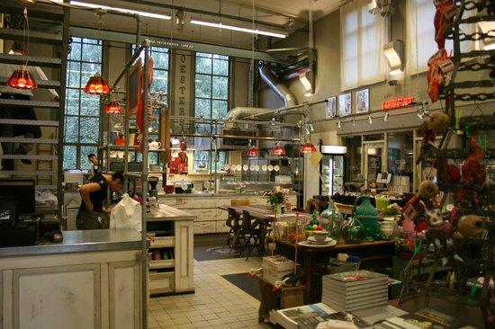 Villa Augustus: Market shop