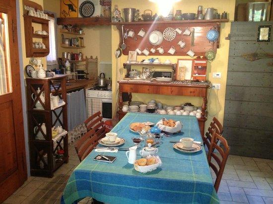 Capannetti B&B : Salle du petit déjeuner