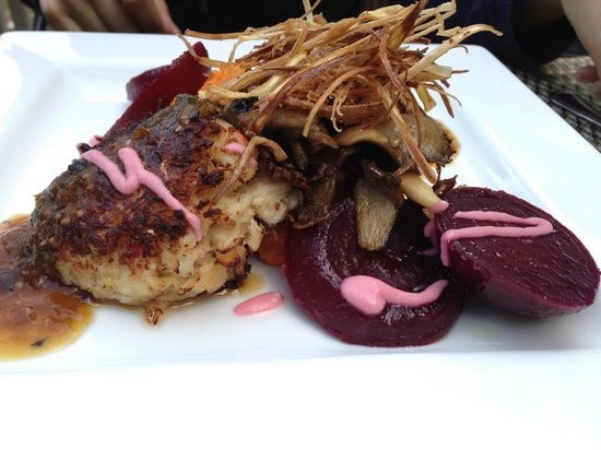 The Esmeralda Inn : Special: Crab cakes, beets, onion straws, and sweet potato puree
