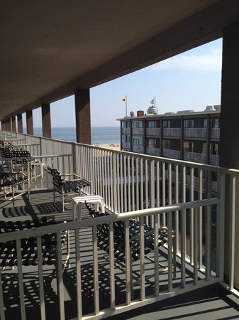 Flagship Hotel Oceanfront : Balcony