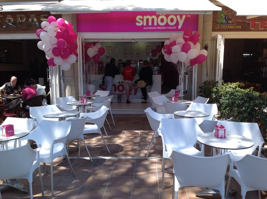 Smooy: The Beachfront Terrasse
