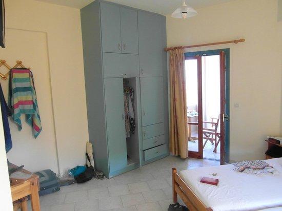 Villa Tsapakis: Room