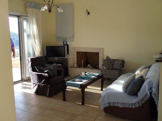 Meganisi Villas: Living room.
