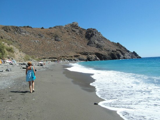 Beautiful beach 2 minutes from Villa Tsapakis