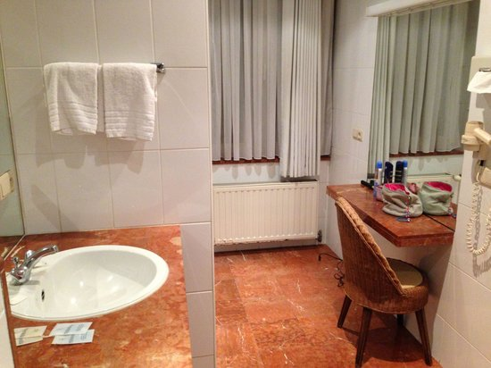 Van Belle Hotel: Room 76