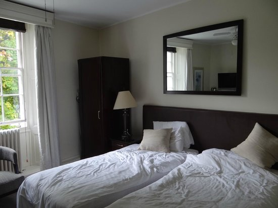 Studley Hotel and Orchid Restaurant: Room