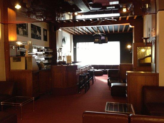 Van Belle Hotel: Hotel bar
