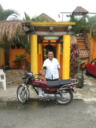 Casita de Maya : Daniel and his awesome machine. Did I mention he was a biker?