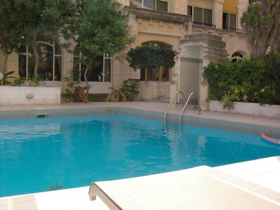 Il Palazzin Hotel: Piscina esterna