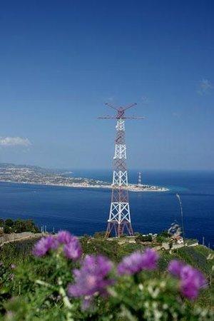 Abacus Bed&Breakfast: Lo stretto di Messina dalla costa calabra