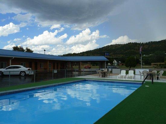 Hills Inn : great pool