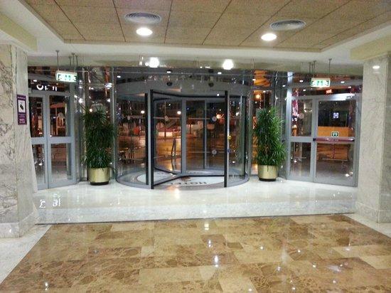 Servigroup Calypso: Entrance
