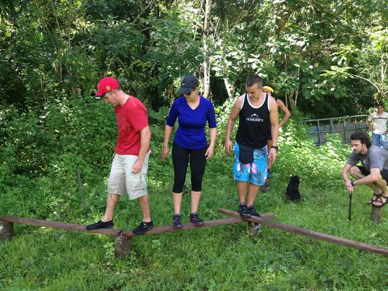 Jungle Adventures by Kalu Yala: JA guests trying out the Challenge Course