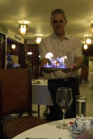 Xiang Gong Chinese Restaurant: tasty flames coming up!
