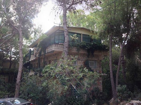 Hotel Mitzpe Hayamim: our room amongst the trees